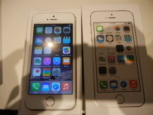 iPhone5S 5×2台 4S 買取いたしました。